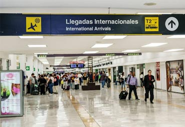 El tráfico aéreo en España sigue en tasas negativas