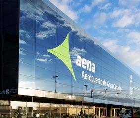 La CNMC decide congelar las tarifas aeroportuarias