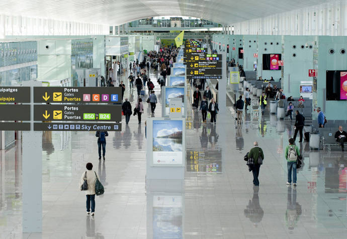 Aena va camino de lograr un récord de pasajeros en 2016