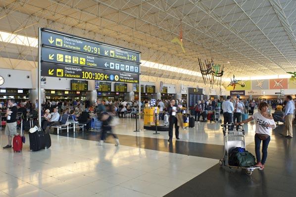 Las aerolíneas programan un 9% más de plazas