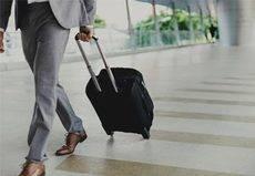 Los españoles gastan 550 euros en viajes de negocios