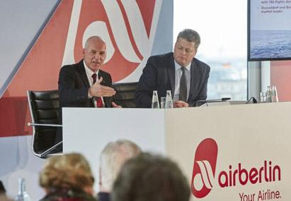 Airberlin negocia con Etihad y TUI crear un grupo aéreo