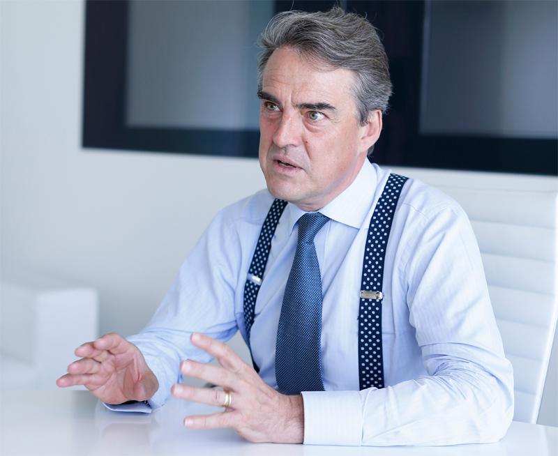 IATA pide un control 'estricto' de tasas aeroportuarias