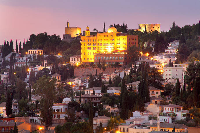 El Alhambra Palace sella de nuevo su política social