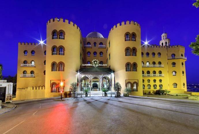 El Hotel Alhambra Palace se reafirma en su política social