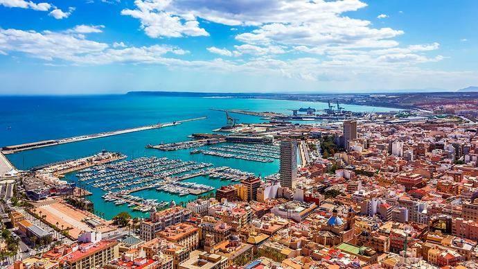 La ocupación crece un 1% en octubre en Alicante