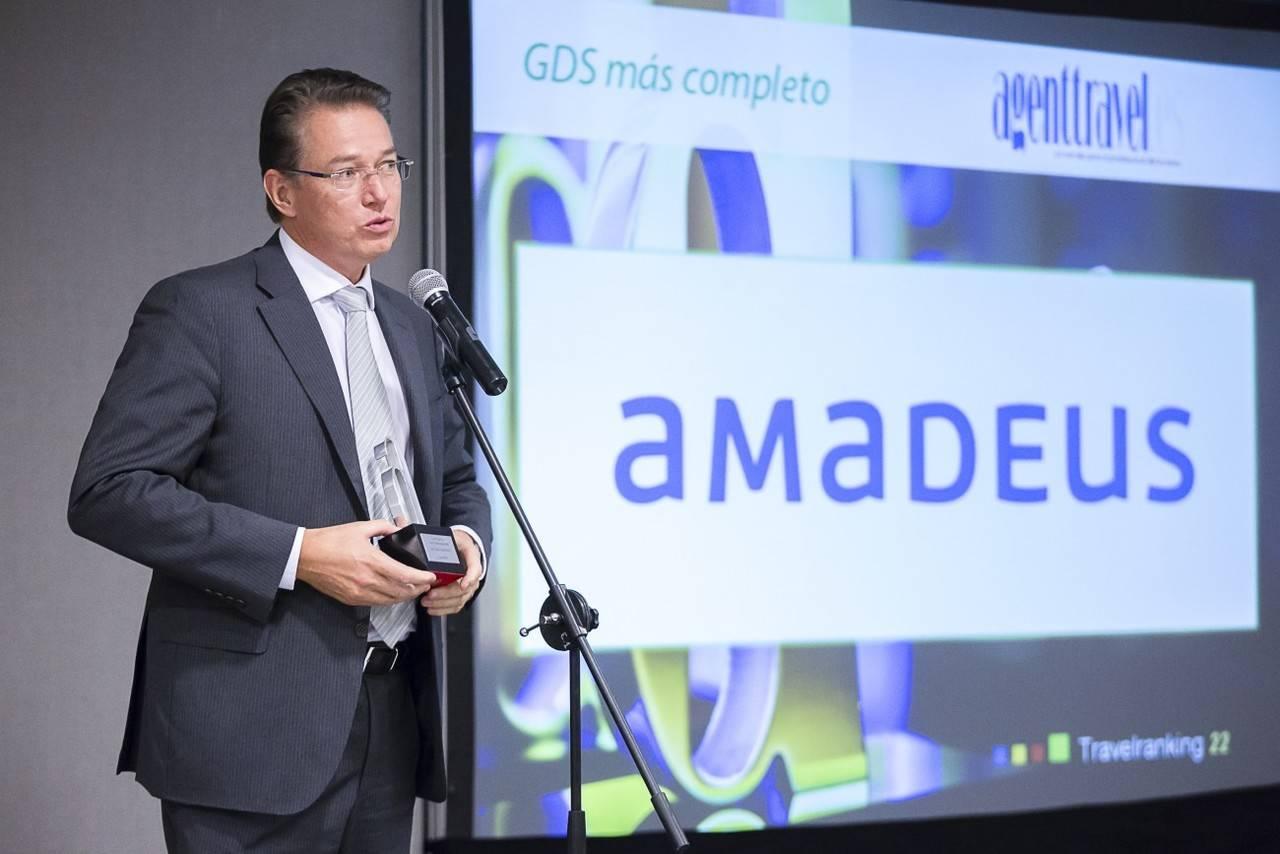 Amadeus unifica la venta de billetes de tren, avión y bus