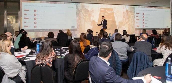 El experto en ROI marketing, Pablo Turletti, durante el Iberian MICE Forum de Córdoba.
