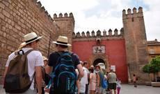 Deloitte: 'Los viajes estarán limitados hasta julio'