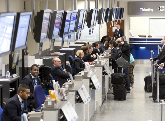 Las aerolíneas inflan los precios de billetes combinados