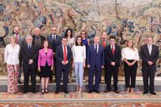Eugenio de Quesada presenta su obra a la Reina Letizia