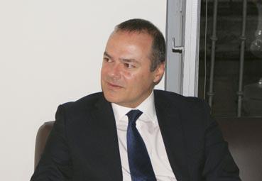 Augusto Hidalgo sigue al frente del SCB