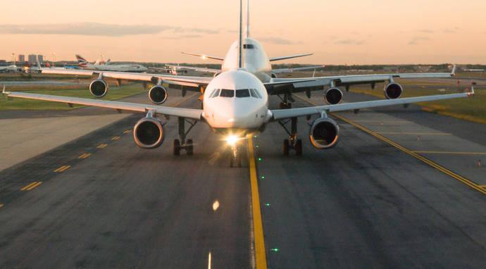 IATA advierte de la caída de los márgenes de las aerolíneas por el alza de los costes
