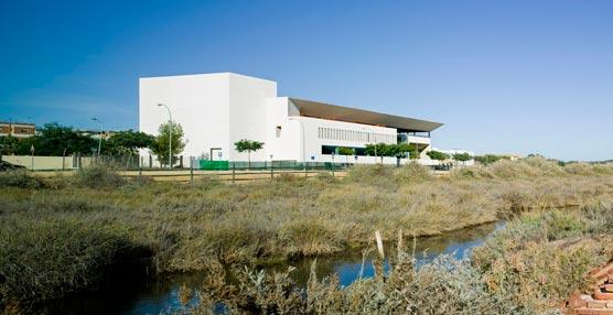 'El Centro de Congresos de Ayamonte ha supuesto una inversión de 13 millones'