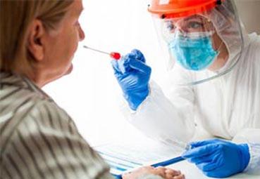 Los test PCR, un 'obstaculo' para los turistas británicos