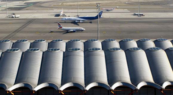 Alarma entre los empresarios de Madrid por Barajas