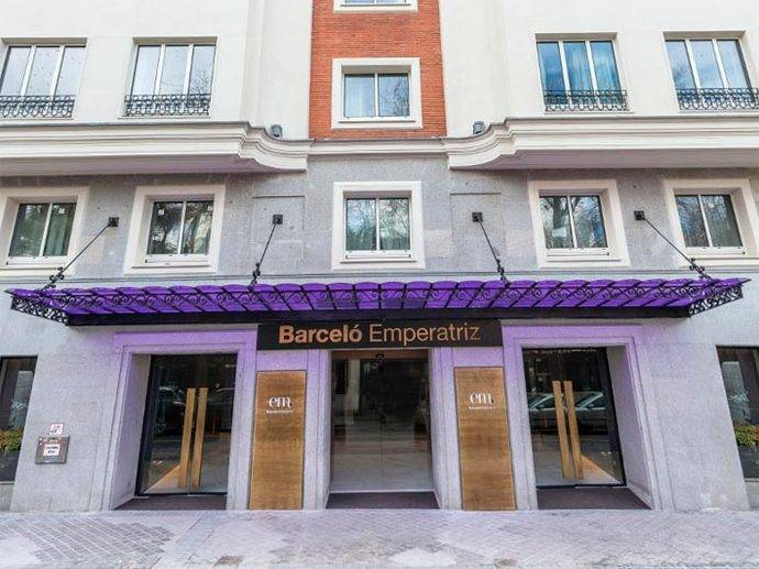 NH decidirá en enero su fusión con el Grupo Barceló