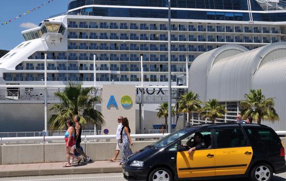 Barcelona intenta dispersar a los turistas que recibe