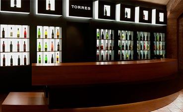 Bodegas Torres ofrece espacios y experiencias de vino