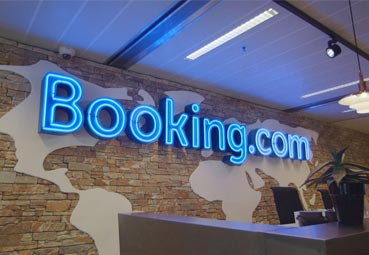 Booking.com planea reducir su plantilla en un 25%