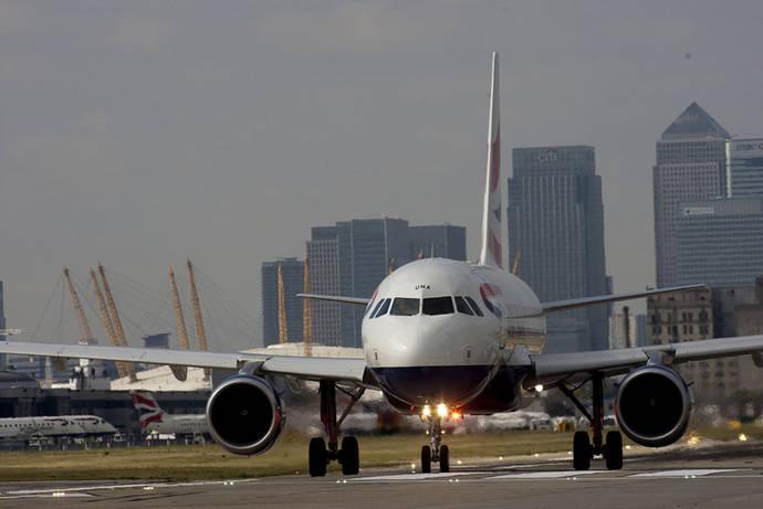Plan de Bruselas para evitar el caos aéreo pos-Brexit