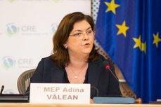 La comisaria de Transportes, Adina Valean.
