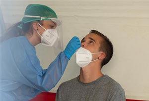 El Sector pide escuchar a Bruselas y autorizar los test de antígenos en origen