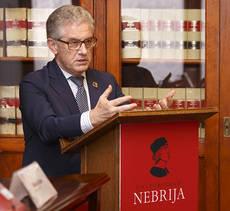 El director ejecutivo de la Organización Mundial de Turismo, Manuel Butler.