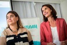 La directora gerente de Promotur Turismo de Canarias, María Méndez, con la consejera Mariate Lorenzo.