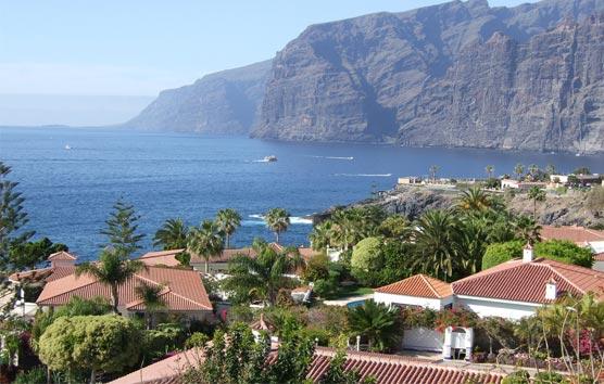 El Gobierno acuerda con las islas el protocolo para los corredores turísticos