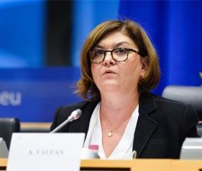Bruselas pide a España que proteja a los pasajeros