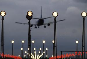 Las aerolíneas obvian las peticiones para que rebajen los recargos por combustible