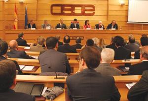 CEAV critica dos enmiendas de CEOE a la nueva Directiva de Viajes Combinados