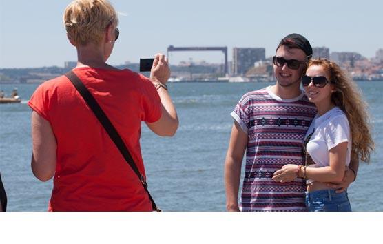 El 52% de los españoles ha gastado menos de 300 euros en viajar este verano