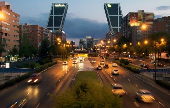 Los VTC son más baratos que los taxis en Madrid, pero no es así en Barcelona