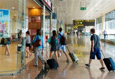 Sólo un 27% de los españoles viajarán este verano