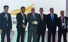 La AEPT entrega el Premio Hermestur a Claudio Meffert