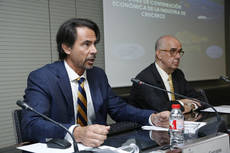 El director de CLIA España, Alfredo Serrano, en la presentación del informe.