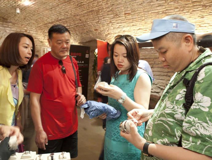 El asiático, el turista más rentable para los comercios