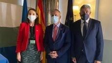 La ministra de Turismo, el presidente de Canarias y el secretario general de la OMT.
