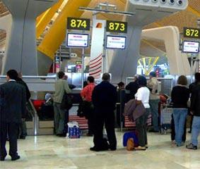 Consumo pedirá el cese de actividad de 17 aerolíneas