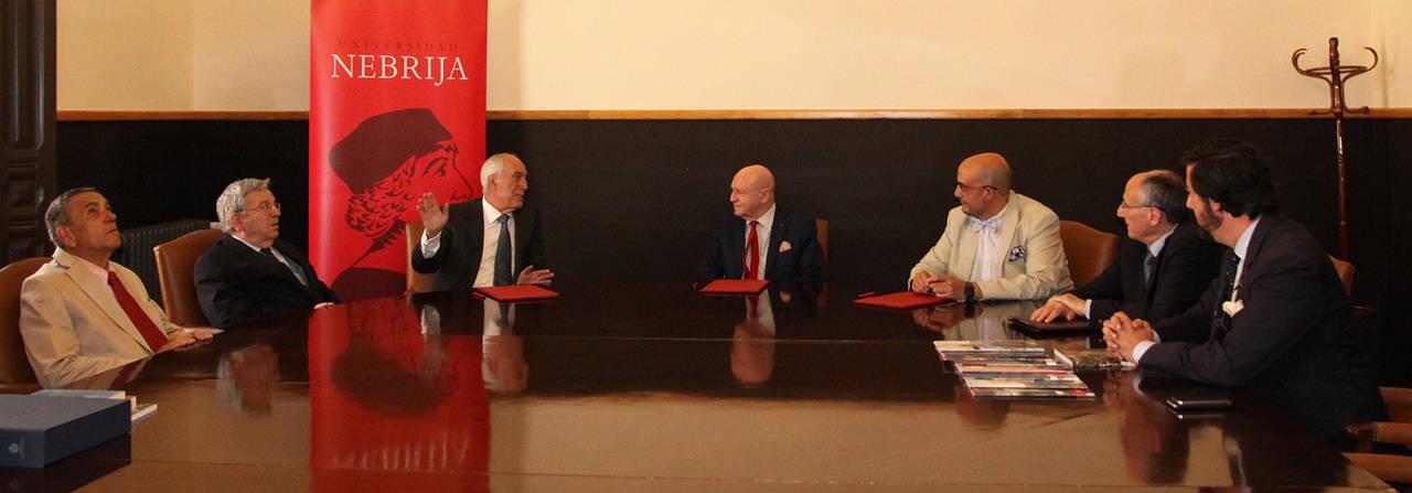 Acuerdo para enriquecer los estudios de Turismo