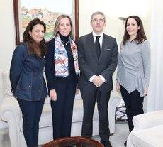 Elena Galván, subdirectora de Zalima; Mª José Palma, responsable de Relaciones Institucionales; Juan Salado, adjudicatario del Palacio de Congresos de Córdoba; y Aguas Santas López, directora de Zalima.