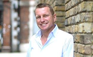 Ian Cummings promociona en CWT Meetings & Events