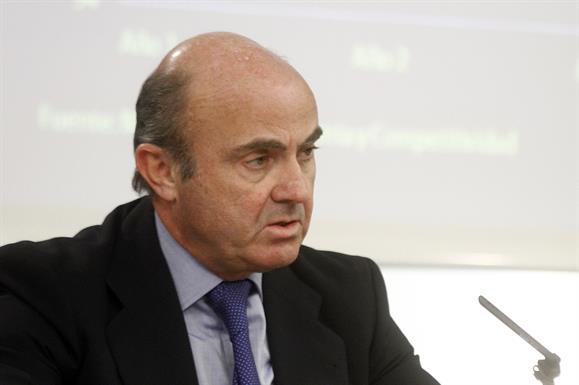 De Guindos releva a Soria como ministro en funciones