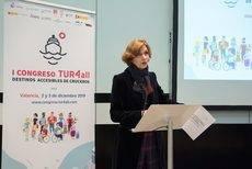 La secretaria de Estado de Turismo, Isabel Oliver, durante su intervención.