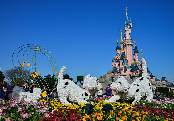 Disneyland París forma a 2.800 agentes de viajes