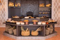 El resort Don Carlos presenta cambios en su salón Los Naranjos