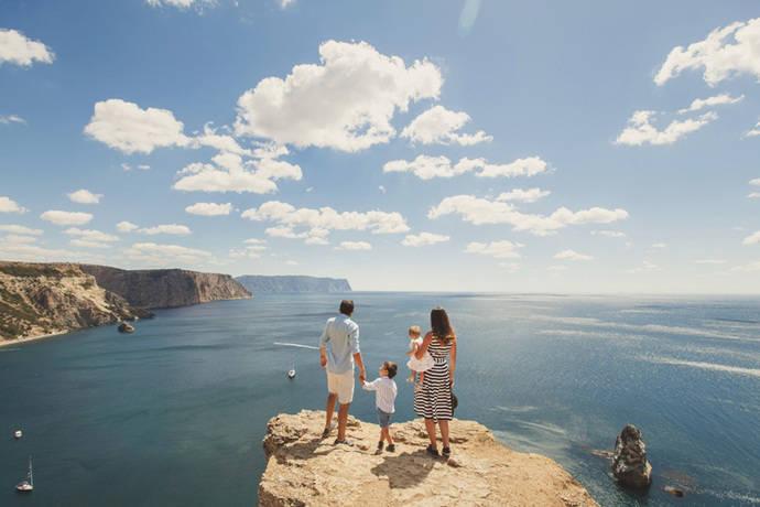 Los 'millennials' son la generación más viajera de España