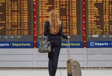 El Parlamento Europeo pide acabar con la indefensión de los pasajeros aéreos